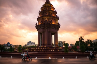 Pi Pay leads Cambodia's growing mobile wallet segment