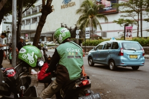 Gojek steps up its fintech play amid pandemic